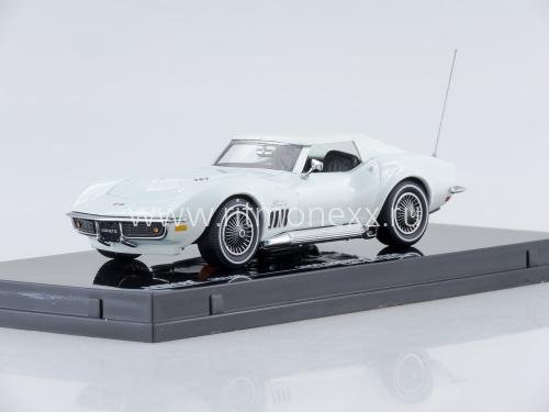 1969 Corvette Coupe (Can-Am White)