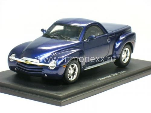 Chevrolet SSR closed 2005 Blue