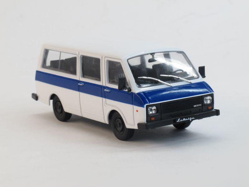 Автолегенды СССР №74, РАФ-22038