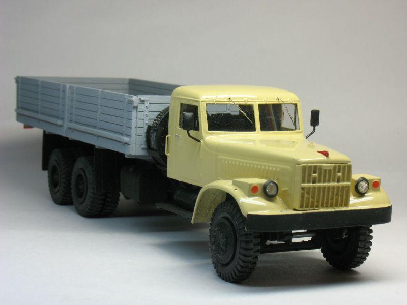 В 1959 году было освоено производство 21-ти тонных грузовиков КрАЗ-219.