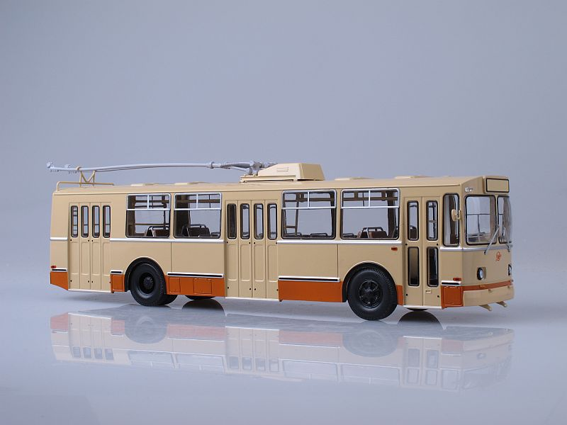 ЗИУ-9 троллейбус